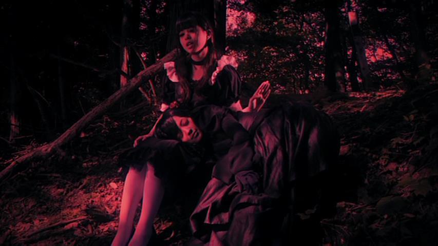 山で夜を過ごすとき,監督のおっしゃった子守歌を歌います。