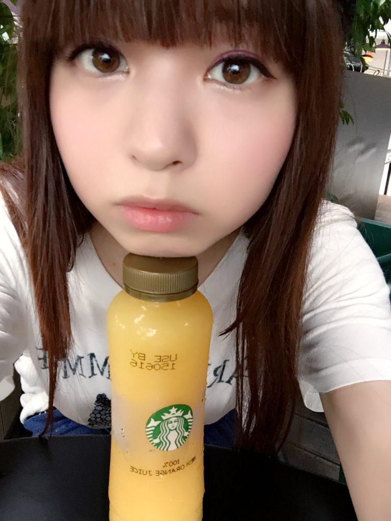 2016/6/11  マーライオン観光後のダレるなる@シンガポールのスタバ(ダレてもやたら可愛いです)